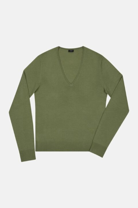 FINE MERINO V NECK SWEATER