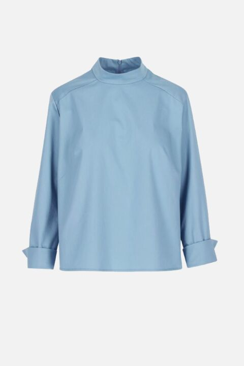 STRAIGHT TOP WITH SHIRT DETAIL