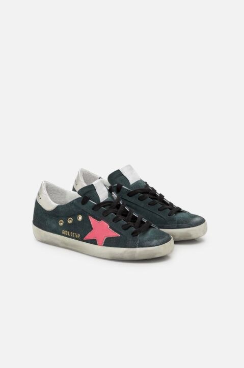 Green sneaker with pink star