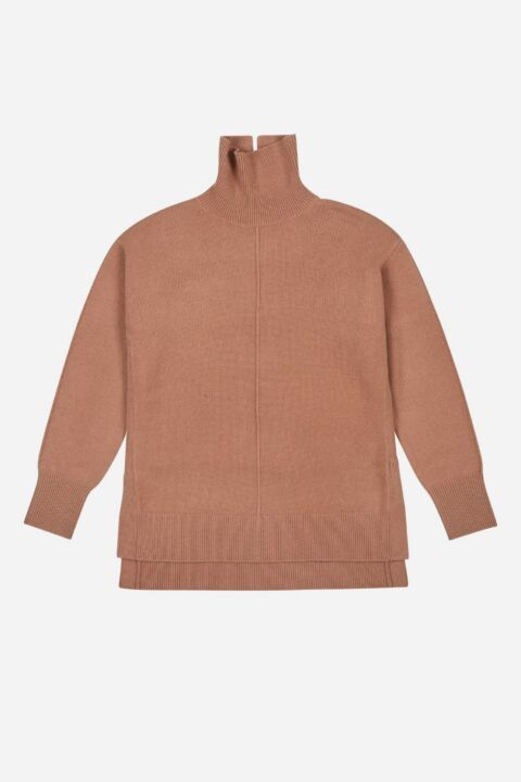 Knit turtleneck cognac