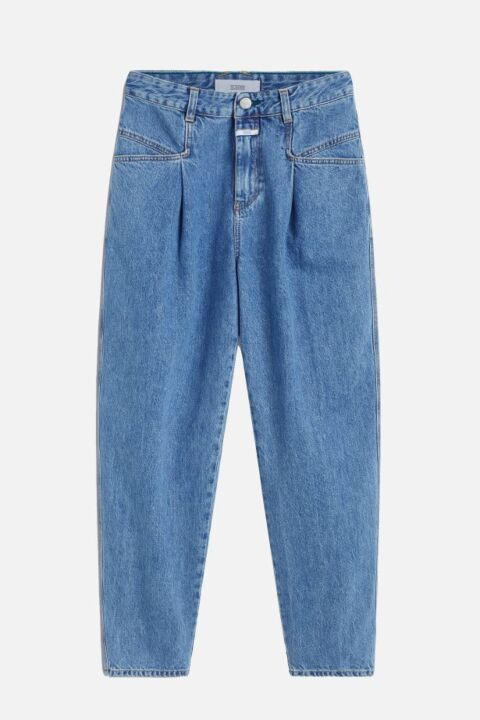 Blue jeans with x-pockets