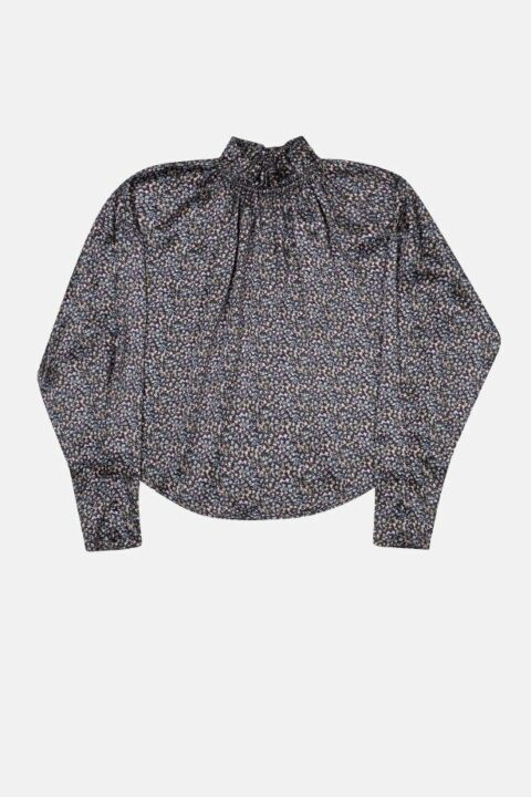 Blouse with gathered collar