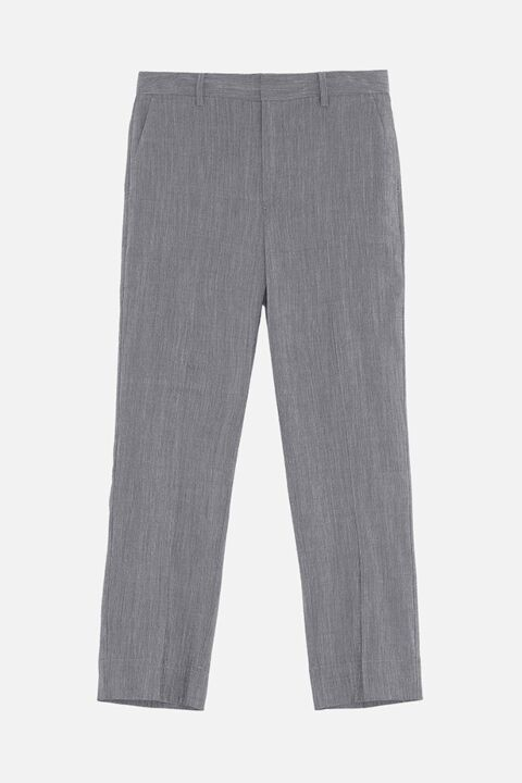 Trousers with straight legs