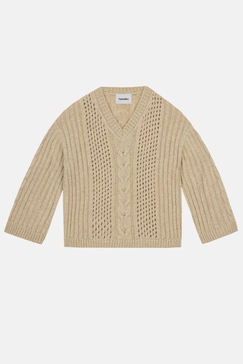 Creamy cable-knit pull