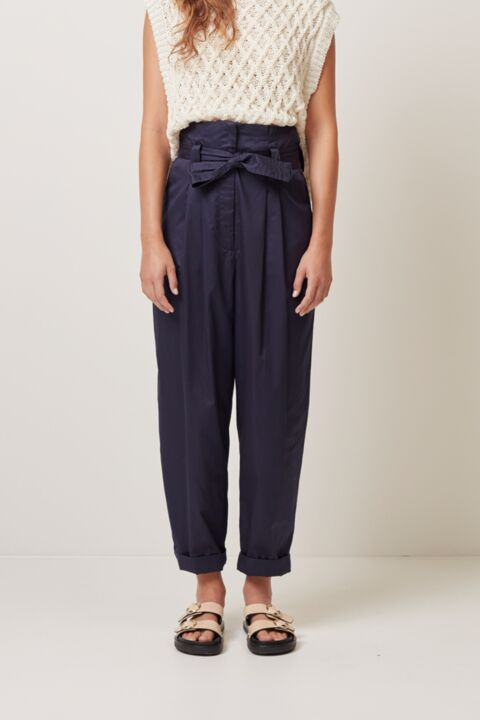 High waist trousers with belt