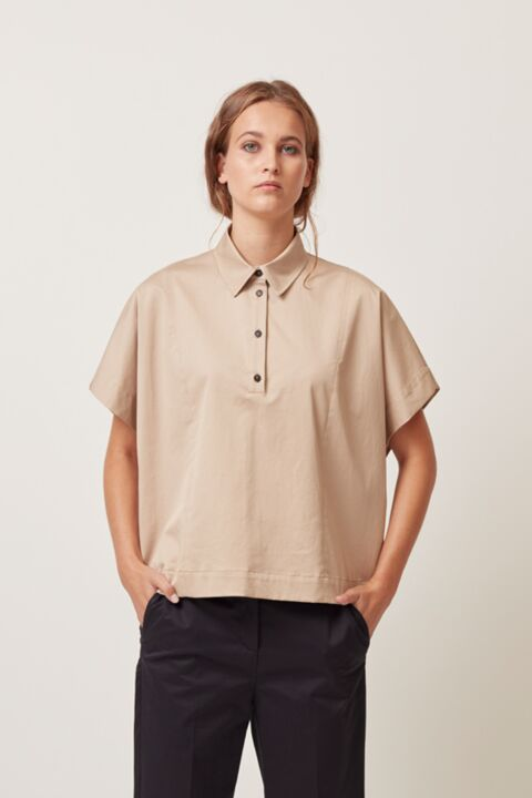 Boxy top with shirt details