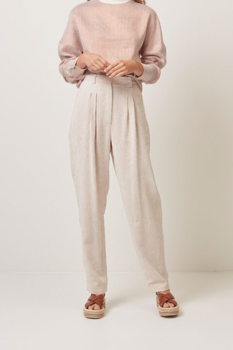 High waist trousers with pleat