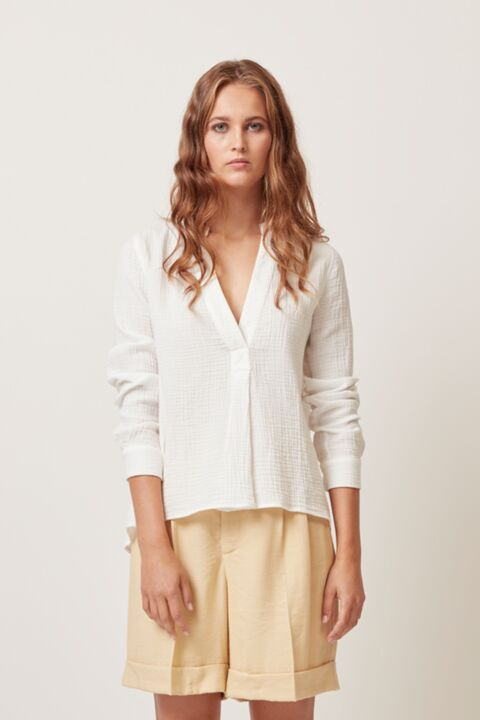 Long sleeve blouse with v-neck