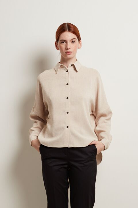 Basic shirt with long sleeves