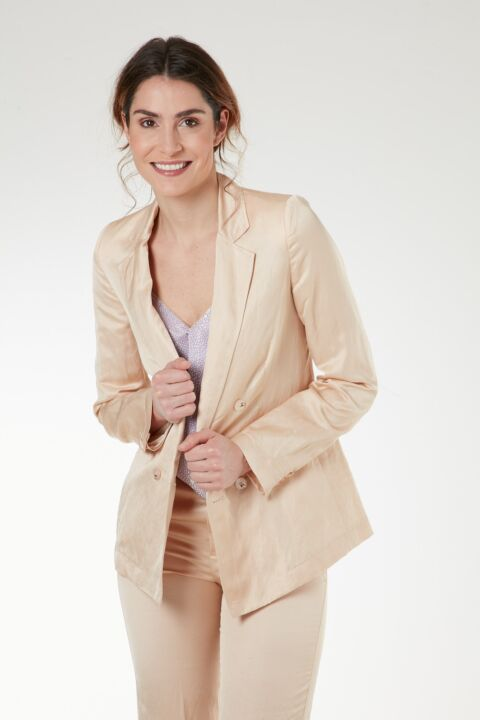 Ivory double-breasted blazer
