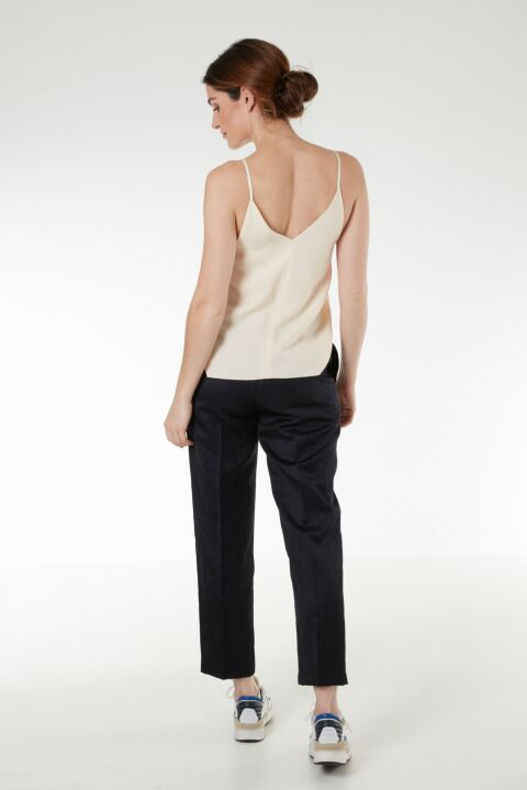 Drark blue cropped trousers