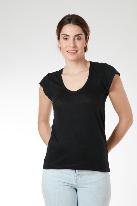Black linen v-neck t-shirt