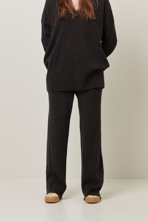 Structured knitted pants