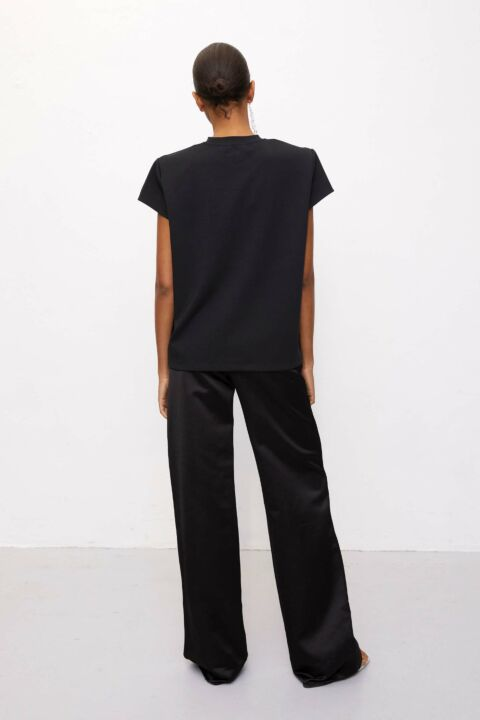 T-shirt with cap sleeves